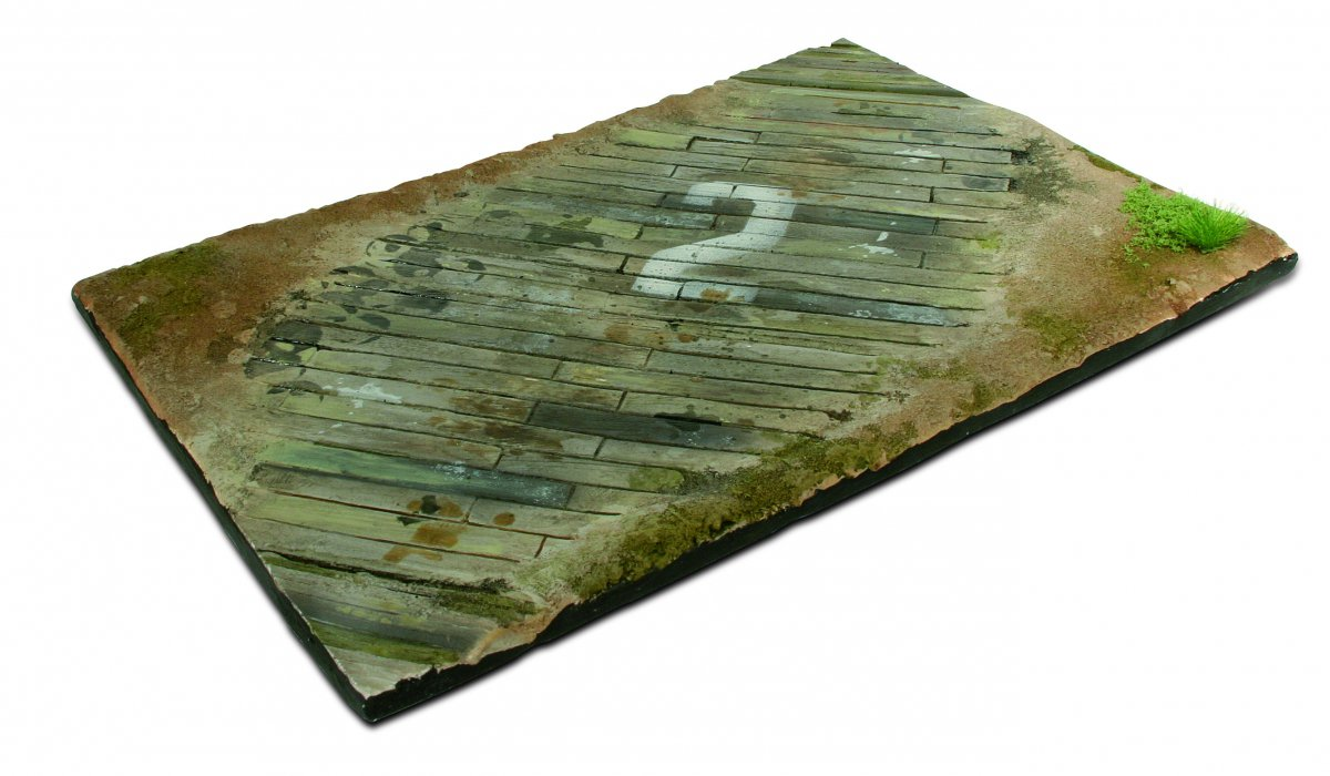 SC102 Wooden Airfield section 31x21cm - Image 1