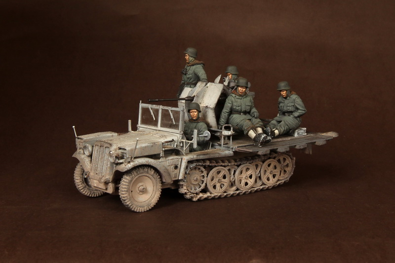 Crew for Sd.Kfz.10/4 fur 2cm FlaK 30 (for Dragon 6676) - Image 1