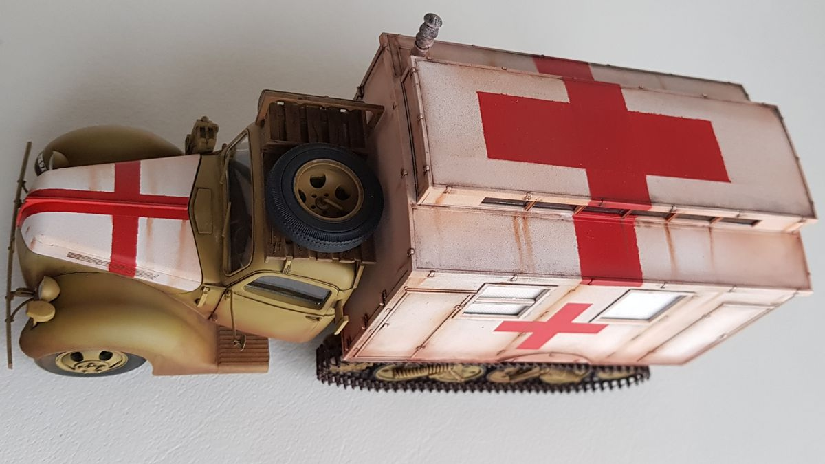 Ford V3000S Maultier Ambulance 1/35 ICM No 35414 - 001 - Image 1