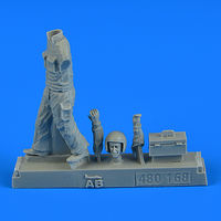 Warsaw Pact Aircraft Mechanic - part 4 Figurines