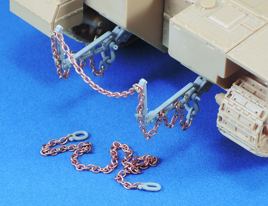 IDF AFV Rear Towing Horn/Chain set - Image 1
