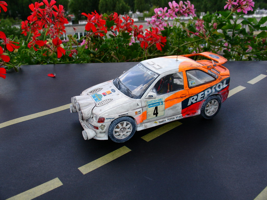 TAMIYA 1/24 FORD Cosworth - 006 - Image 1